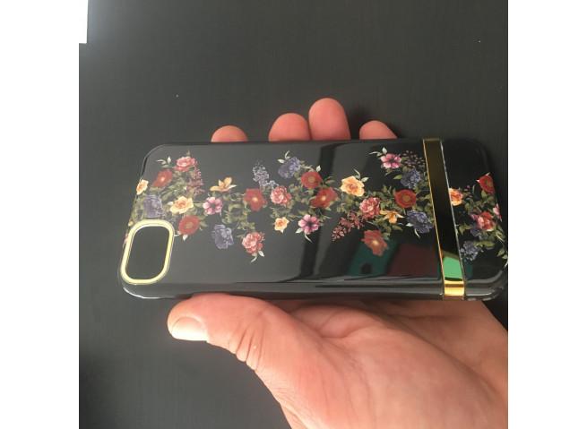 Coque iPhone 7/8/SE 2020 Dark Flowers