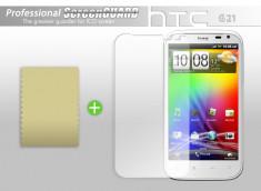 KIT avec 1 film protecteur + 1 chiffon HTC Sensation XL (G21)