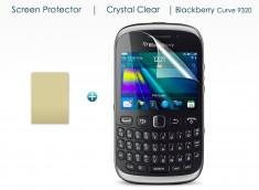 KIT avec 1 film protecteur + 1 chiffon Blackberry Curve 9320