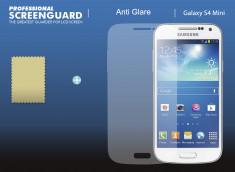 KIT avec 1 film protecteur effet anti-reflet  + 1 chiffon - Samsung Galaxy S4 mini