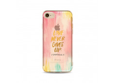 Coque iPhone 7 Love Never Gives Up