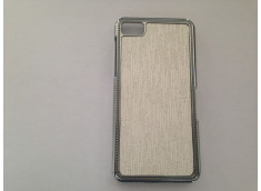 Coque Blackberry Z10 Steel Lines-Blanc