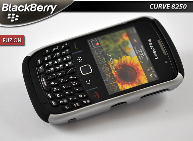 "Coque Blackberry Curve 8520 ""Fuzion"" Grey"