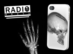 "Coque iPhone 4/4S ""Radio Skull"""